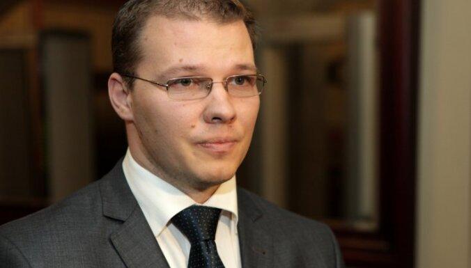 Dzintara vietā parlamentā uz laiku strādās Gunārs Rusiņš