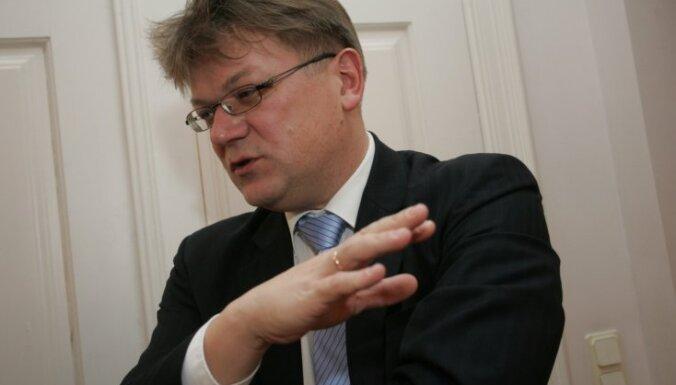 Latvijas amatpersonas un EK pārstāvji pārrunā iespējamos scenārijus jaunam vilcienu iepirkumam