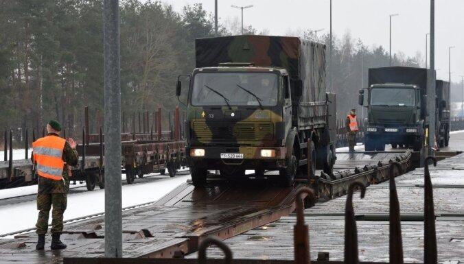 Бундесвер направил 350 солдат на борьбу со снегом в Баварии