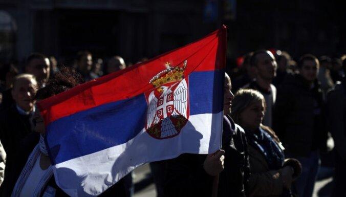 Serbi nikni par Melnkalnes aizliegumu atzīmēt apvienošanas simtgadi