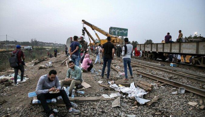 Vilciena avārijā Ēģiptē gājuši bojā 11 un ievainoti 98 cilvēki