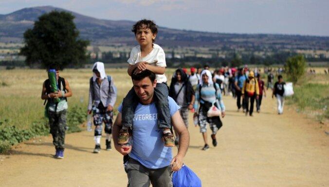 Vācija šogad bēgļu vajadzībām tērēs 10 miljardus eiro