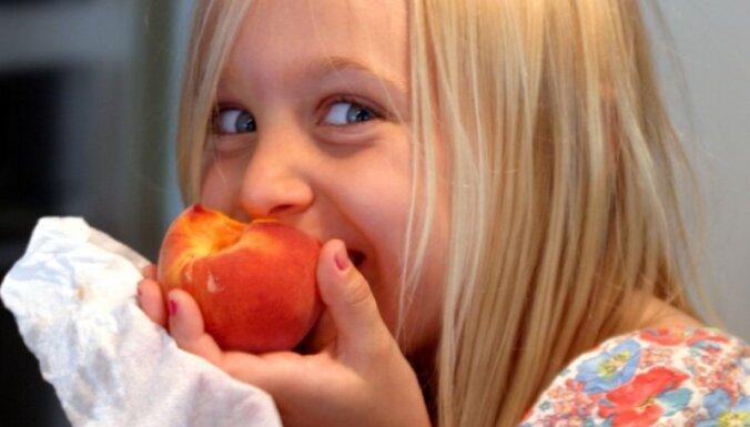 Valsts izstrādāti ieteikumi veselīgam uzturam bērniem vecumā no diviem līdz 18 gadiem