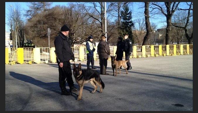 16.marts Rīgā: kopumā ir pieci aizturētie