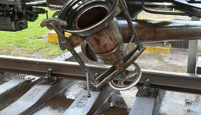 В Валмиере из железнодорожной цистерны утекли примерно 30 тонн дизельного топлива
