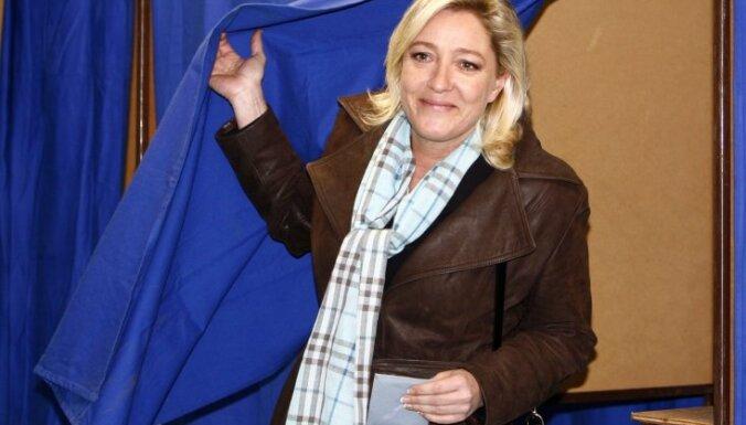 Marīna Lepēna: apsūdzības iznīcinājušas Strosa-Kāna cerības kandidēt Francijas prezidenta vēlēšanās