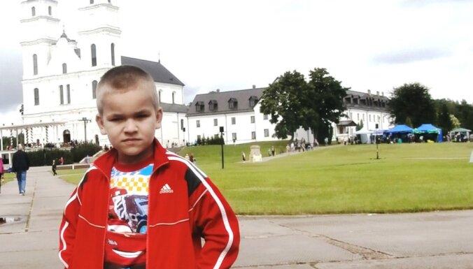 Gēnu nesaderība? Ģimenē aug divi brāļi ar autismu