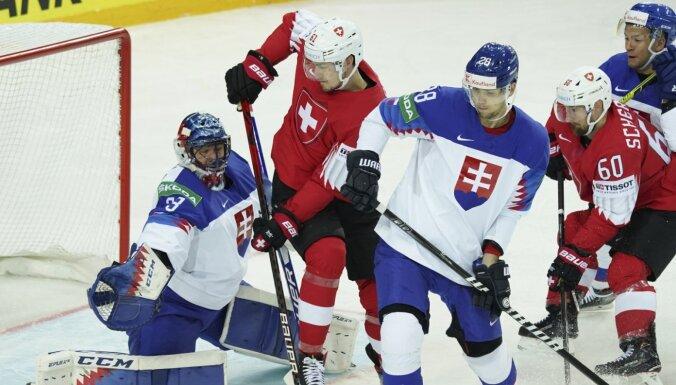 Šveices izlase ar graujošu uzvaru pārņem no Slovākijas grupas līderes godu