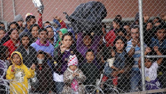 Сенат США заблокировал закон о помощи детям мигрантов. И предложил свой