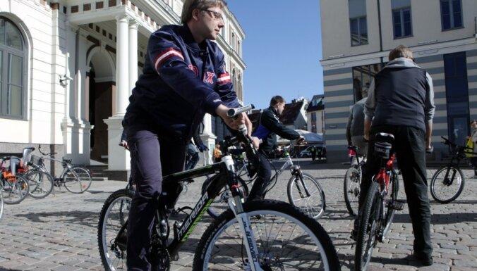 Ušakovs atzīst, ka visus centrālo Rīgas ielu remontdarbus nevarēs pabeigt laikus