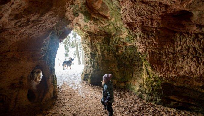 ФОТО. Пещеры, гигантский камень и источник: Кубесельская природная тропа длиной 3,6 км