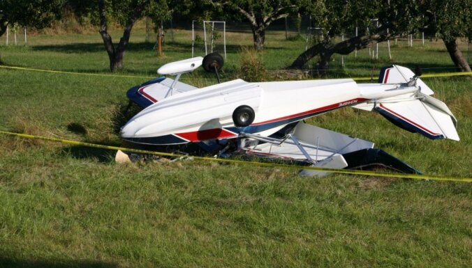 Американские подростки угнали самолет и разбились