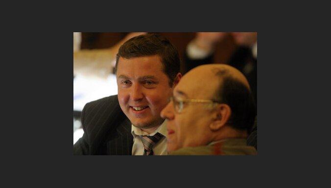 Stepaņenko pēc amata zaudēšanas pildīs parlamentārā sekretāra pienākumus