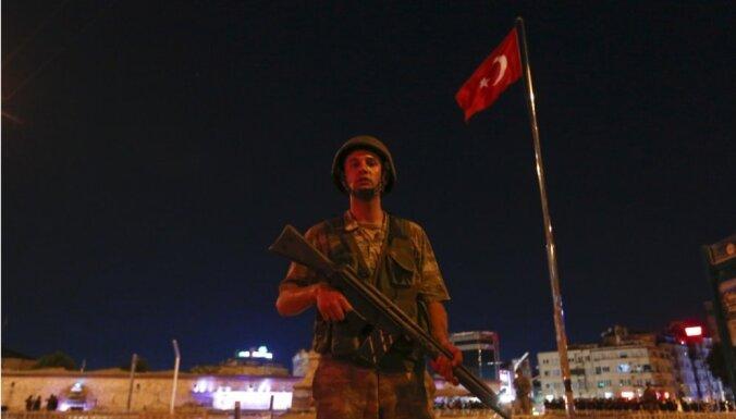 Turcija apsūdz Vāciju apvērsuma mēģinātāja Gilena atbalstīšanā