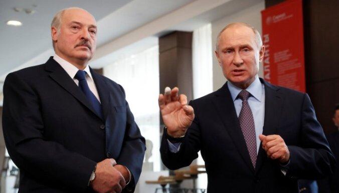 Лукашенко: Беларусь не намерена входить в состав России