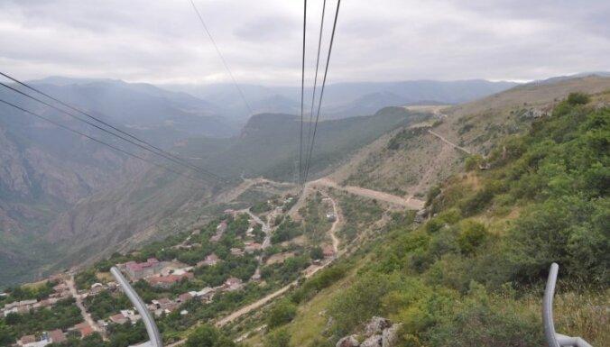 Armēnijas iespaidu kaskāde: genocīda sekas, seni tempļi, konjaks un kalnu ezers