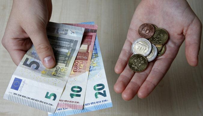 'Eurostat': Latvijā minimālā alga ir ceturtā zemākā ES