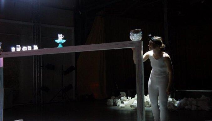 'Māksla nav droša un viegla izvēle dzīvei'. Saruna ar mākslinieci Andu Lāci