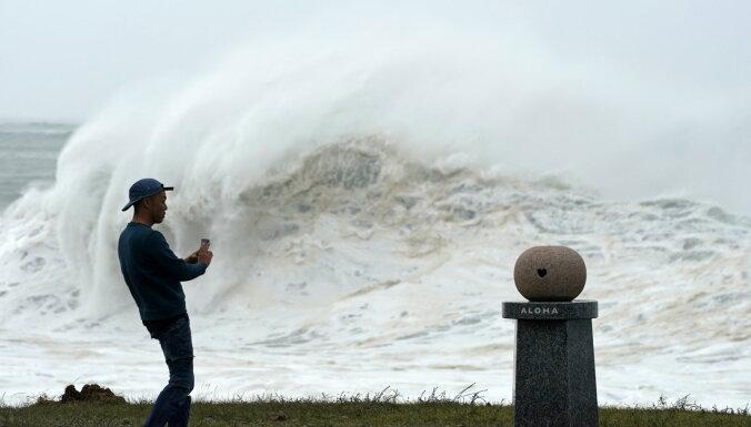 ФОТО: Япония объявила об эвакуации 9 млн человек из-за сильнейшего за 60 лет тайфуна