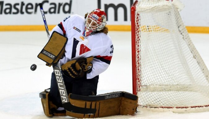 Medijs: KHL komandām 'Slovan' un 'Admiral' ir nopietnas problēmas ar algu izmaksu