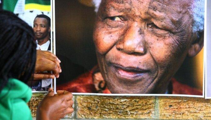 Зума: Нельсону Манделе стало намного лучше