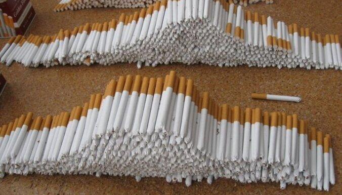 Пурвциемс: в грузовике нашли 7 млн. нелегальных сигарет