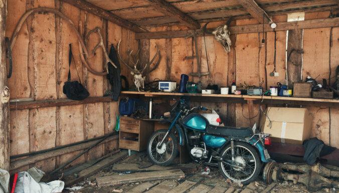 Vāc parakstus par vienkāršotu vecu motociklu un mopēdu reģistrāciju