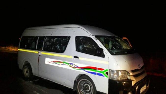 Dienvidāfrikā nošauti 11 taksometru šoferi