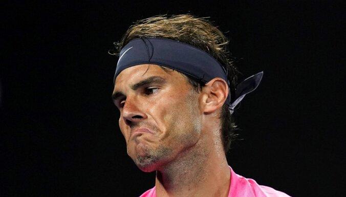 Nadals negaidīti piedzīvo zaudējumu 'Australian Open' ceturtdaļfinālā