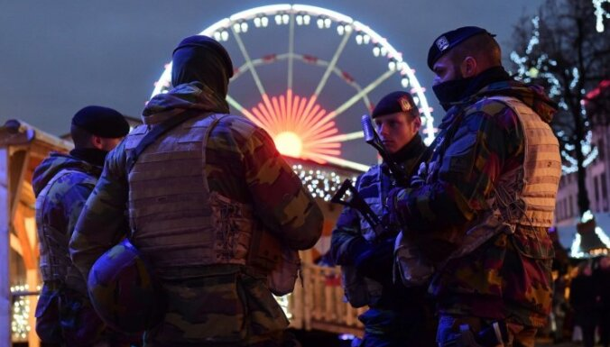 Brisele atgūstas pēc terorisma draudiem; cilvēki joprojām izvairās braukt ar metro
