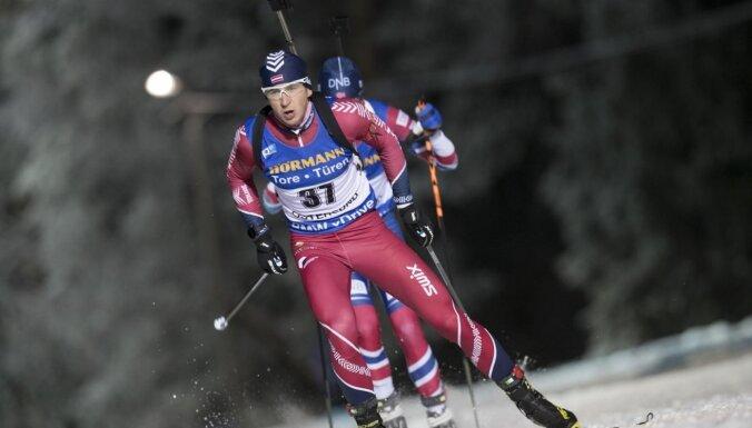 Rastorgujevs nesašauj trīs mērķus un sprintā ierindojas 39. vietā