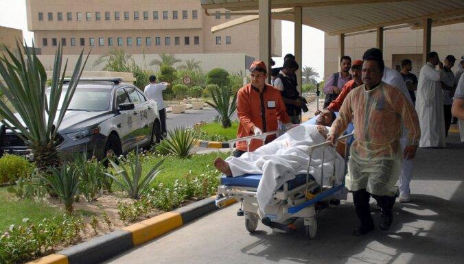 Kuveitā aizturēti pirmie aizdomās turamie saistībā ar uzbrukumu mošejai