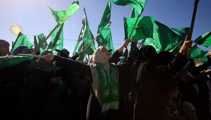 Израиль сообщил о 150 запущенных из сектора Газа ракетах