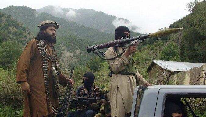 """Талибан"" взял на себя ответственность за взрыв на базе США в Афганистане"