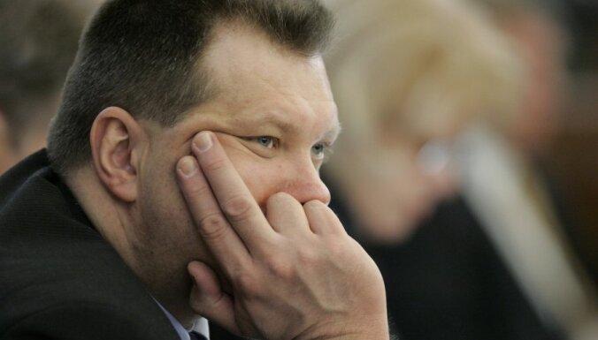 Spurdziņš: Latvija ir pārāk maza valsts, lai pašvaldības deputāti strādātu pilnu darba dienu