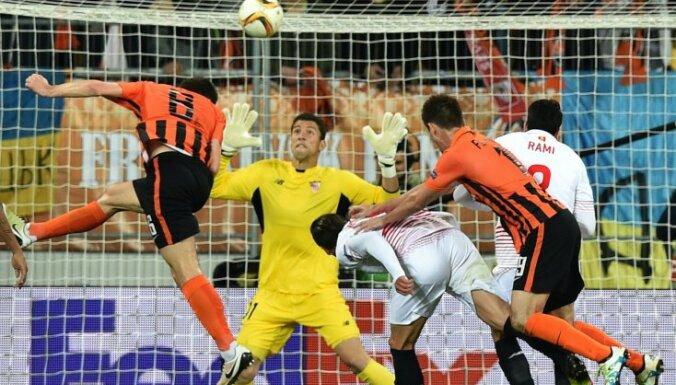 Shakhtar Donetsk s Taras Stepanenko scores to Sevilla