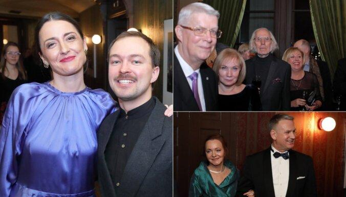 Foto: Kultūras elite Operā saviesīgi nosvin 'Lielo mūzikas balvu'