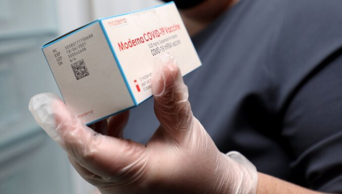 Latvijai piegādātas šonedēļ plānotās 'Moderna' un 'AstraZeneca' vakcīnas pret Covid-19