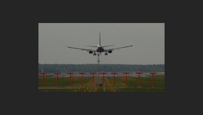 Trīs aviokompānijas interesējušās par darbību lidostā 'Rīga' (precizēta)