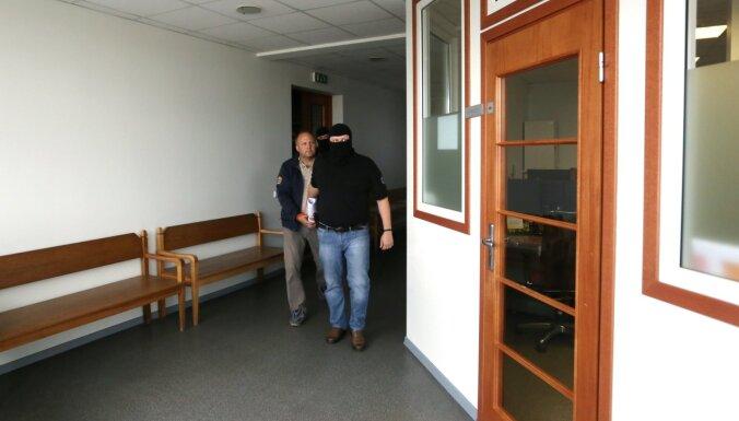 'Garbara lietā' aizturētajiem piemēroti ar brīvības atņemšanu nesaistīti drošības līdzekļi