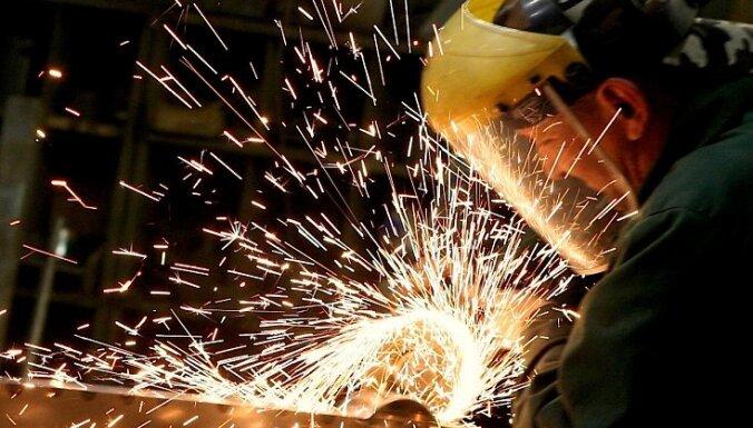 Bijušajiem 'Metalurga' darbiniekiem uz Ziemassvētkiem būs vien 30 latu, vēsta portāls