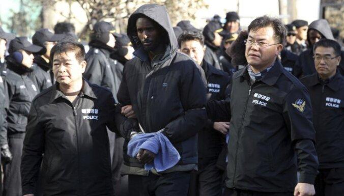 Dienvidkoreja apsūdz Somālijas pirātus slepkavības mēģinājumā
