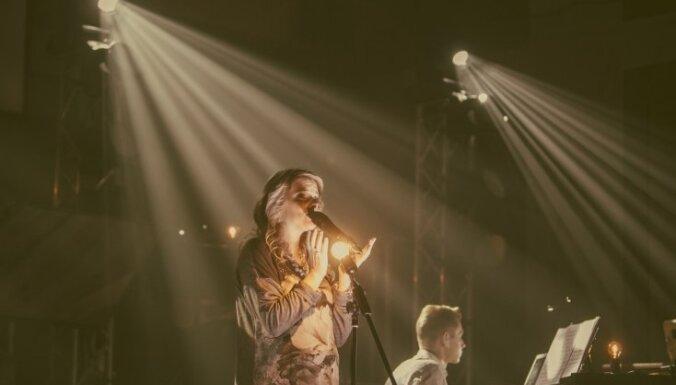Noskaties! Marta Ritova izdod jaunu albumu un izveido 360 grādu video