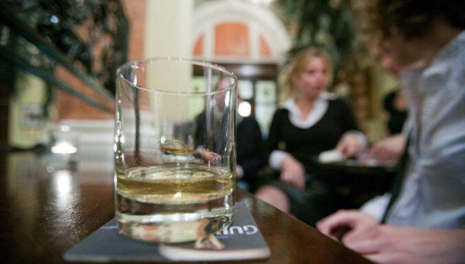 """Исповедь алкоголички. """"Мысль о том, что больше никогда не буду пить, меня пугала"""""""