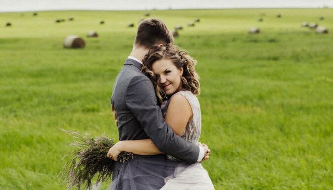 Romantiski kadri: Kā dziedātāja Kristīne Prauliņa šovasar precējās