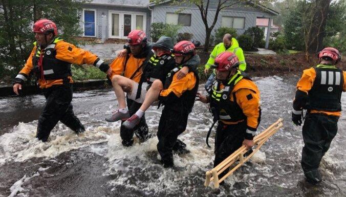 Viesuļvētra 'Florensa' sasniegusi ASV piekrasti