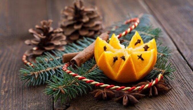 Priekšlikumi, kā mājās radīt patīkamu Ziemassvētku smaržu