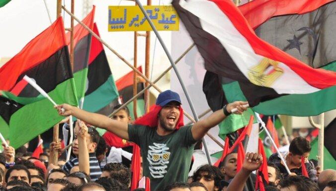 Ārvalstu mediji: Lībijas nākotne – Dubaija vai Irāka?