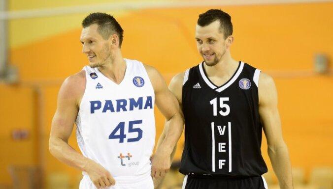 'VEF Rīga' Vienotās līgas mačā sīvā cīņā zaudē Blūmam un 'Parma'