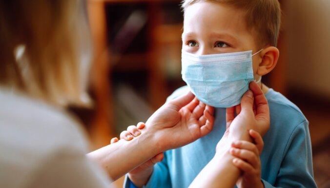 Обязательные маски вернутся, если заболеваемость Covid-19 в Латвии увеличится в четыре раза